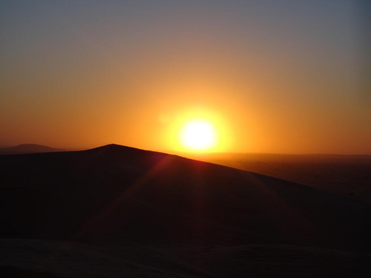 Passez le nouvel an dans l'immensité des dunes du Sahara
